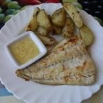 File de cod si cartofi la gratar cu sos de usturoi