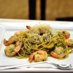 Spaghete cu creveţi, usturoi şi ardei iute