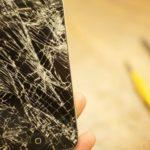 iPhone-ul meu are sticla sparta – cat ma va costa inlocuirea?