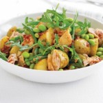 Salata de cartofi, ton, fasole si boabe de soia