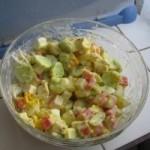 Salata de surimi cu iaurt si ou